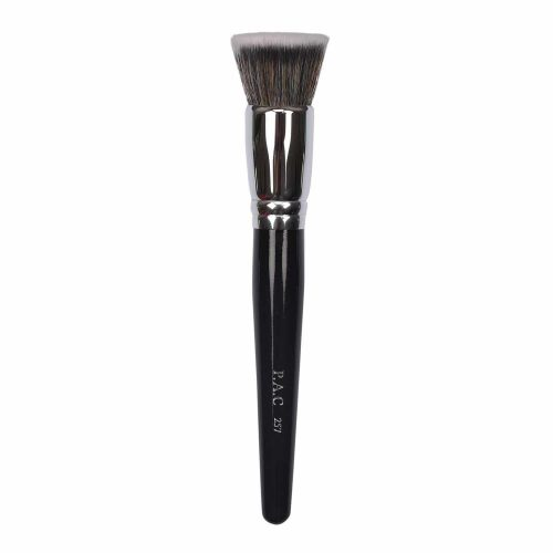 Foundation-Blending Brush - 257