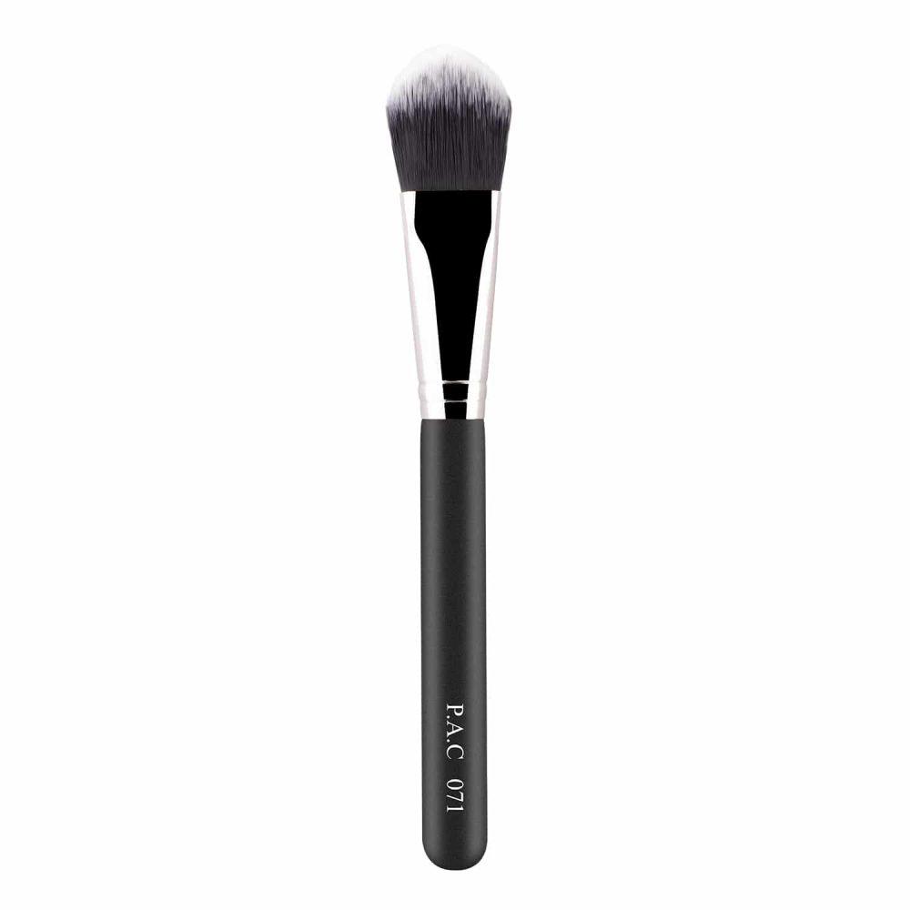 Foundation Brush 071