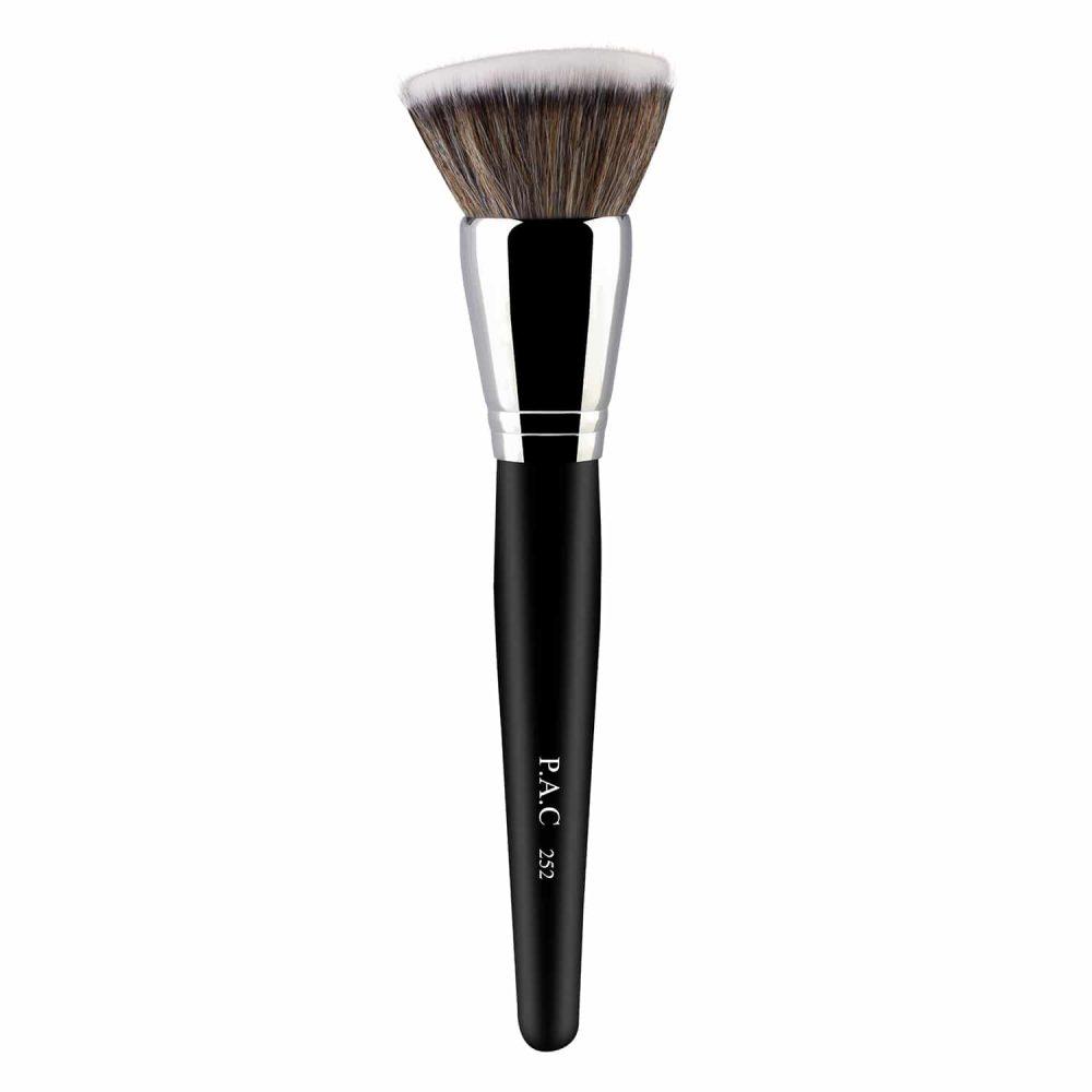 PAC Foundation Blending Brush 252 Brush BR252